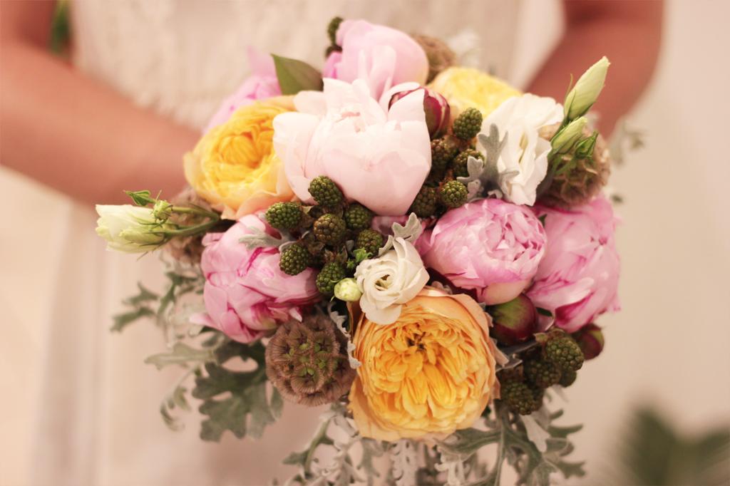bukiet-ślubny-kwiaciarnia-zupełnie-inna-wyspiańskieho